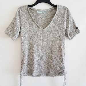 🌺Maurices Short Sleeve V-neck Gray Metallic Top